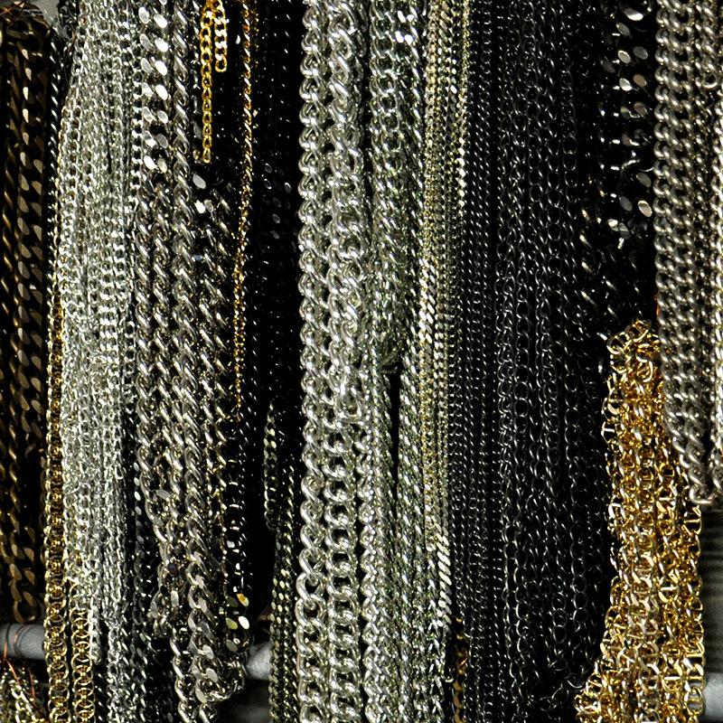 faro-italia-produzione-box-4-grid-bigiotteria-c-catene